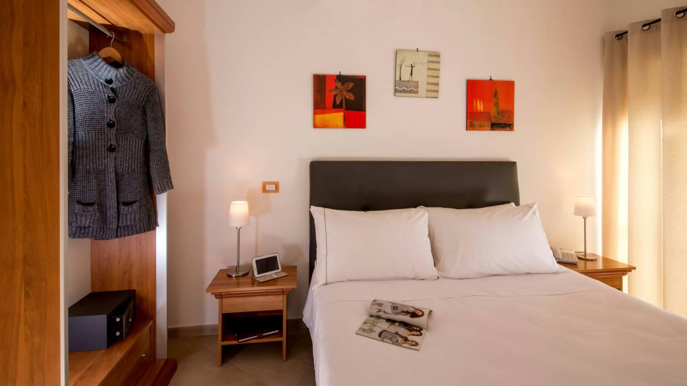 suite-artis-barberini-rome-rooms-02